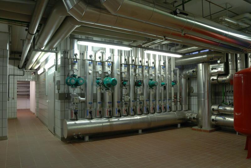 Heizungsverteilung für die Betriebsgebäude und Faultürme